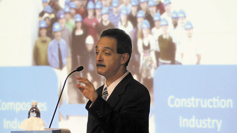 University of Maine engineering professor Habib Dagher discusses offshore wind project Sunday at the University of Maine at Augusta.