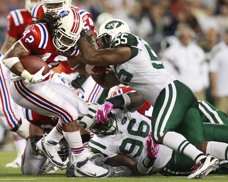 New England Patriots running back BenJarvus Green-Ellis scores a touchdown against the Jets last year. Green-Ellis will reportedly leave the Patriots for the Cincinnati Bengals.