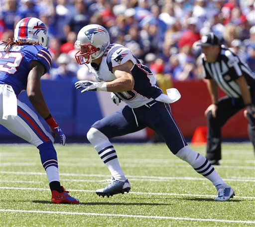 New England Patriots Danny Amendola (80) runs a pass route against the Buffalo Bills during the first half of an NFL football game Sunday, Sept. 8, 2013, in Orchard Park. (AP Photo/Bill Wippert)