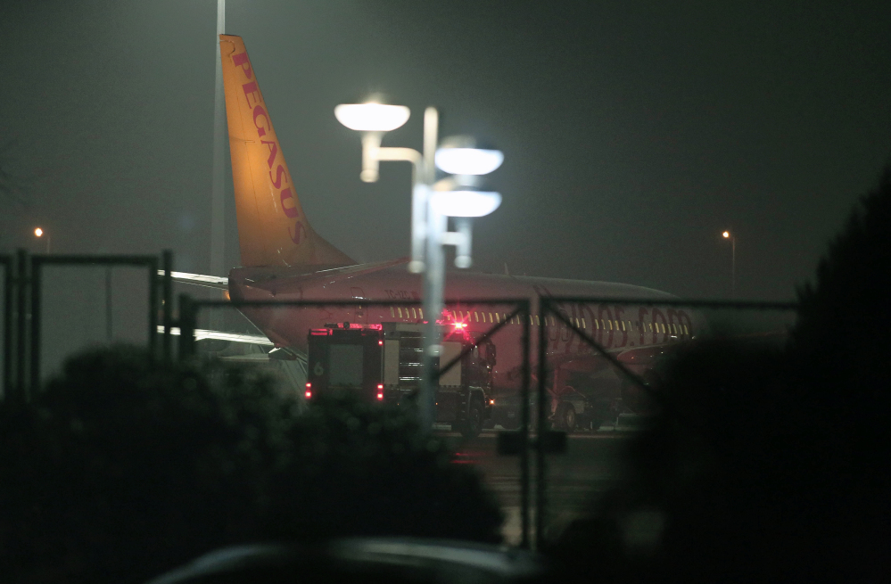 A Pegasus Airlines passenger plane landed safety at the Sabiha Gokcen Airport in Istanbul, Turkey, on Friday after a Ukrainian passenger on board the Istanbul-bound flight claimed there was a bomb on board and tried to hijack the plane to Sochi, Russia, where the winter Olympics are kicking off, an official said.