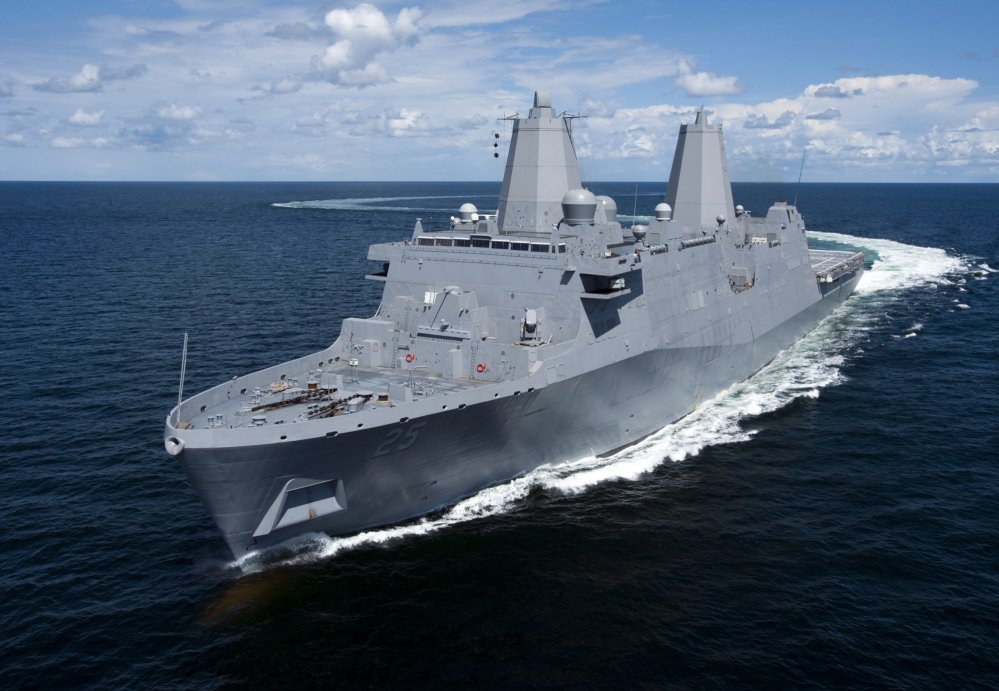 The Ingalls-built amphibious transport dock ship Pre-Commissioning Unit Somerset transits the Gulf of Mexico during builder's sea trials in August 2013.