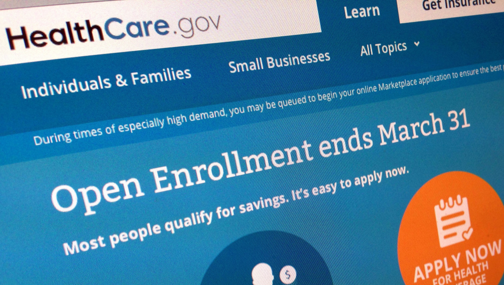 Getting covered using the HealthCare.gov is nowhere near as simple as shopping elsewhere online. Consumers make an average of six visits to the website, spending 20 to 30 minutes per visit, an administration official told reporters.