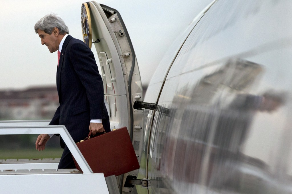 U.S. Secretary of State John Kerry arrives in Paris on Saturday for a meeting with Russian Foreign Minister Sergey Lavrov about the situation in Ukraine.