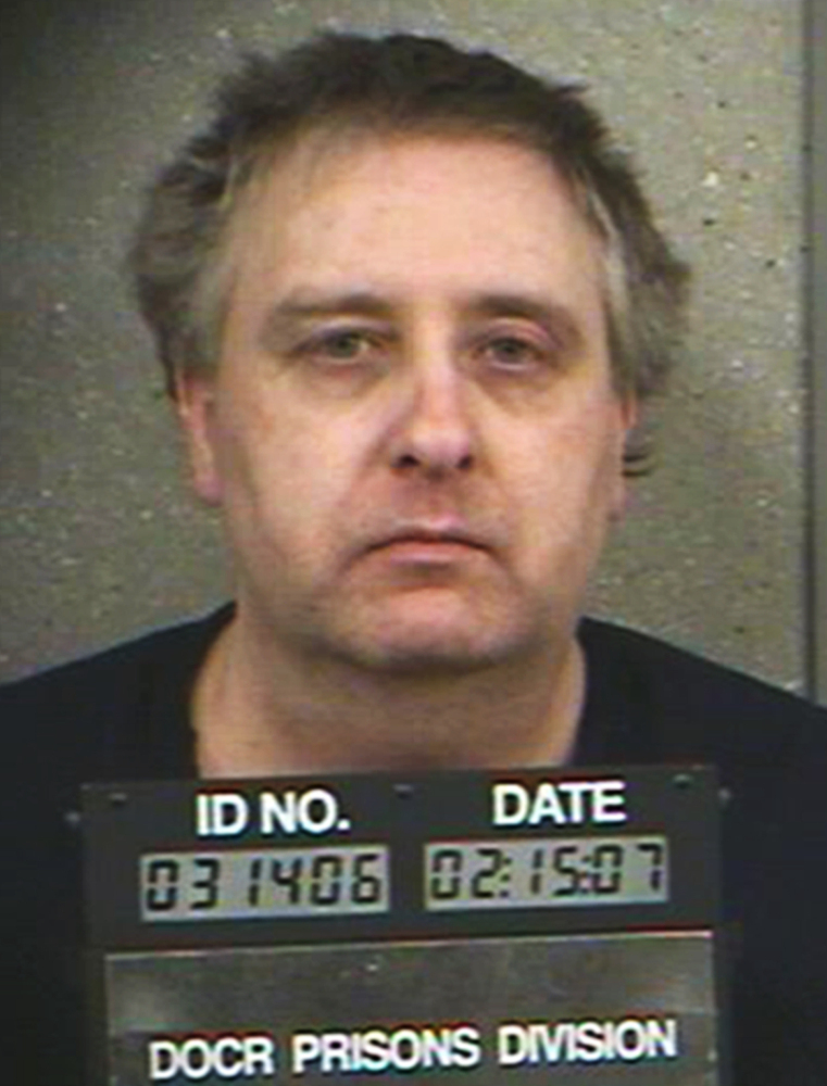 Steve Thomas, who killed his neighbor in 1999 in a dispute over water drainage, was released Saturday. His plea agreement called for him to face a charge of murder if he was uncooperative in finding the body, but authorities say even hypnosis can't help Thomas remember where he dumped the body.