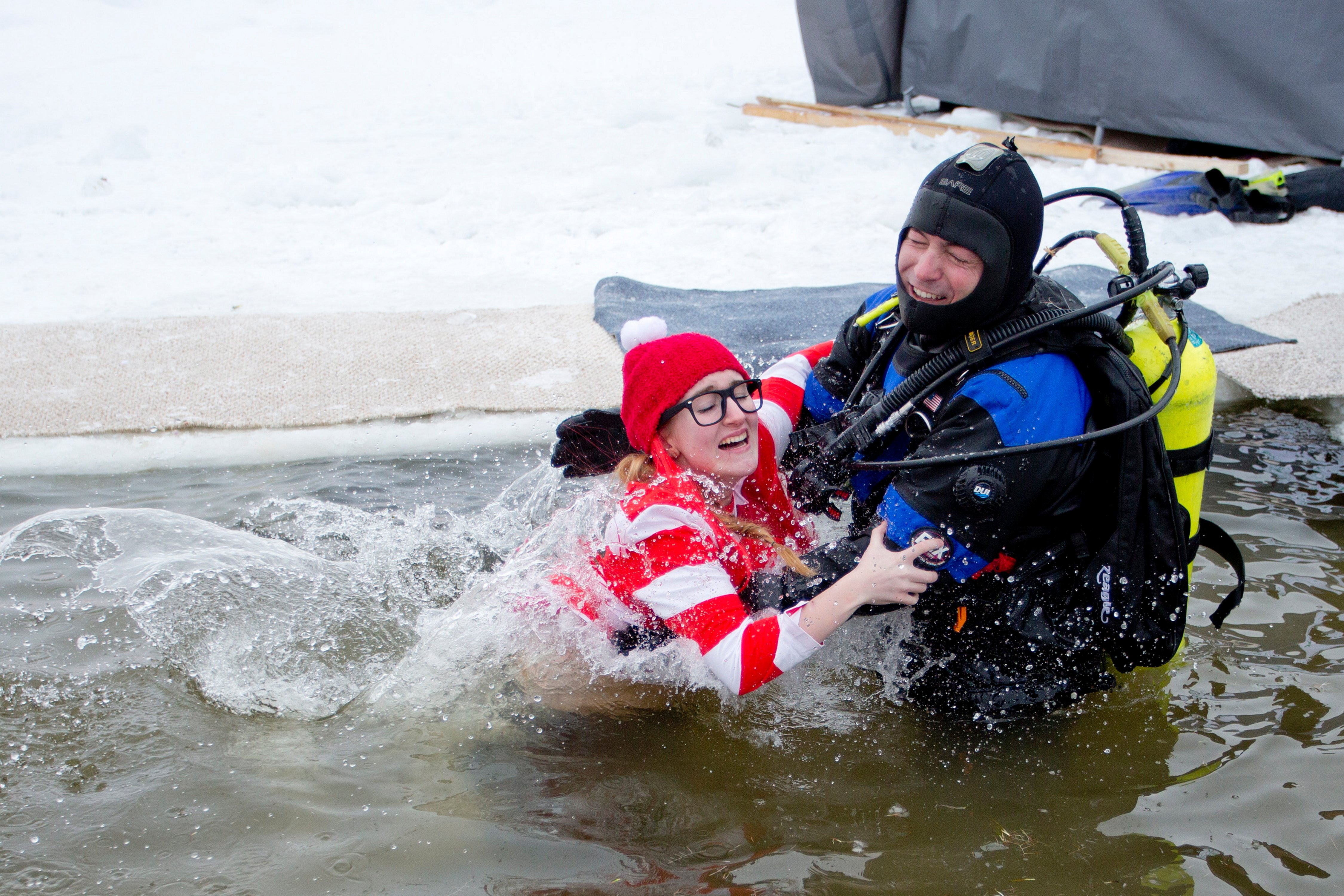 Only the hardiest anglers turn out for sebago lake ice for Ice fishing derby