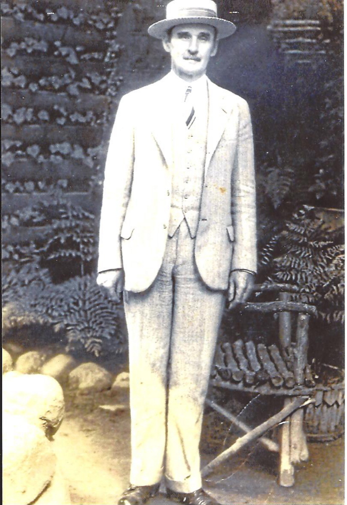 Willis Pelton, believed to be around 62 in this portrait, was a painter who was known for walking and bicycling around Somerset County in the early 20th century.