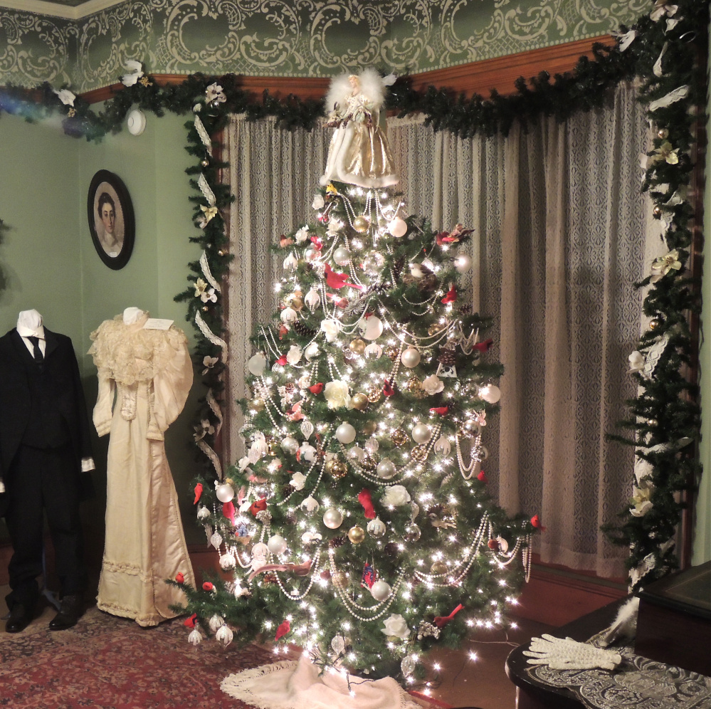 Christmas Decorations For Victorian Homes: Fairfield Historical Christmas Open House Set