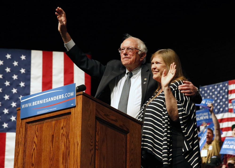 Democratic presidential candidate Bernie Sanders, with his wife, Jane Sanders, in Laramie, Wyo., on Tuesday, issued a statement Tuesday aimed at clarifying what he would do, as president, to break up big banks.