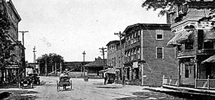 Downtown Main Street in Oakland as seen in 1905. At right is the Oakland Hotel and other businesses, including a meat and grocery store. The Cascade laundry and billiard hall are in the photo as well. The Downtown Business Committee is hoping to bring back some of downtown's early vitality.