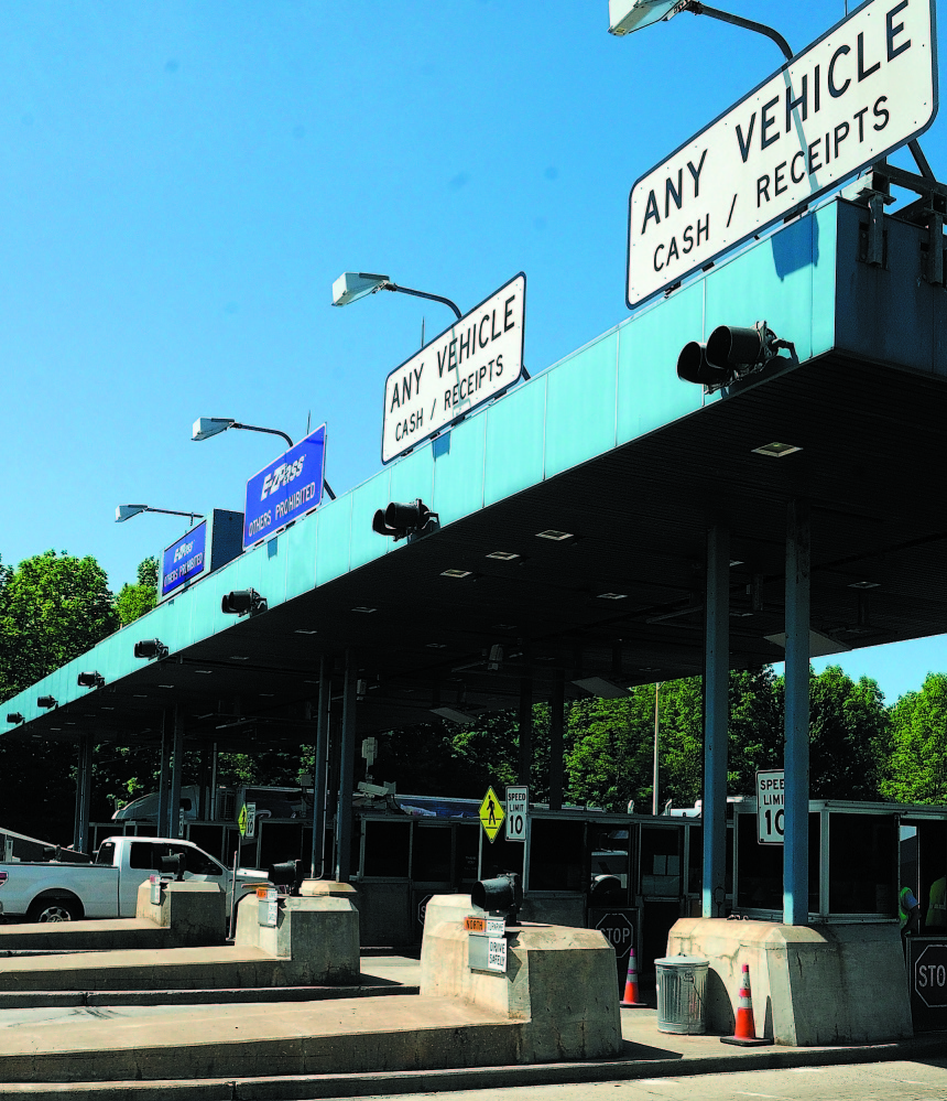 The Maine Turnpike Authority is urging travelers to seek alternative routes around the West Gardiner Toll Plaza during certain hours next week.