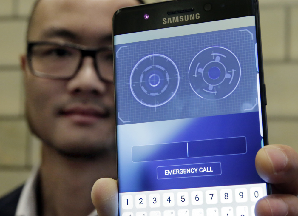 Jonathan Wong of Samsung's Knox Product Marketing shows the iris scanner feature of the Galaxy Note 7, the update to its jumbo smartphone.