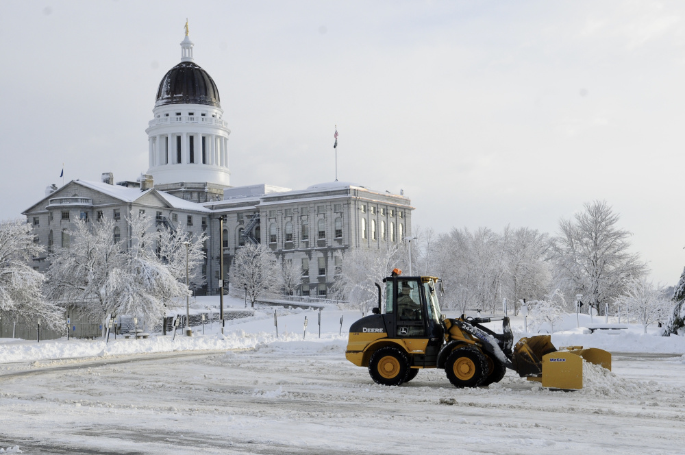 About 24000 ME homes, businesses powerless after storm