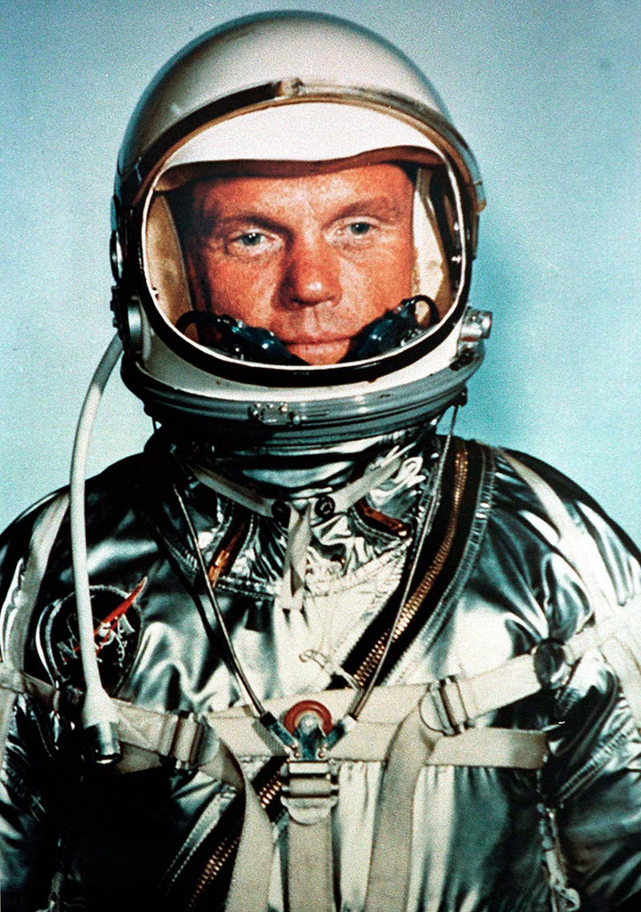 first astronaut to orbit earth - photo #12
