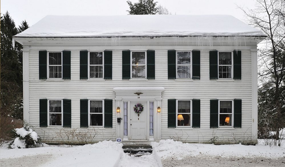 A judge ruled that Arline P. Lay must honor an agreement she signed in 1996 and sell the house at 28 College St. in Brunswick to Bowdoin at a price set through an appraisal process.