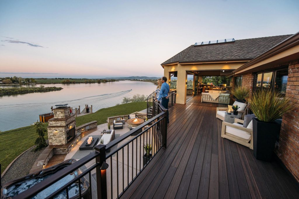 Since 2014, the average deck size grew by 53 percent in the Northeast, to 406 square feet.