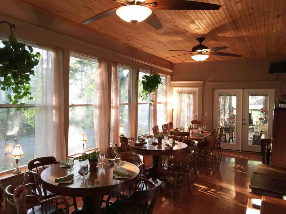 Dining room at Fredericka's