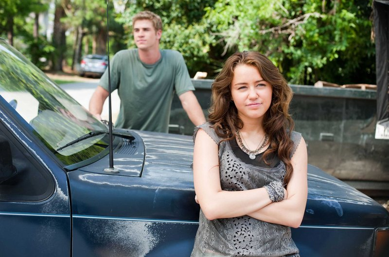 "Miley Cyrus and Liam Hemsworth have good chemistry in ""The Last Song."""