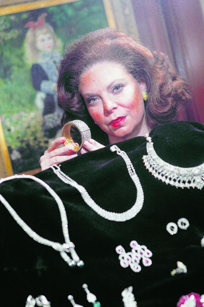 Tobina Kahn, vice president of House of Kahn Estate Jewelers in Chicago, says clients invest tens of thousands dollars – and sometimes millions – in jewelry containing diamonds and precious stones.