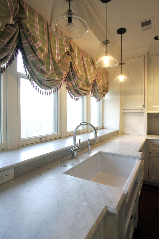 Carrara marble gives a home a splashier look without bringing too much glitz. 10000000 krtfeatures features krtlifestyle lifestyle krtnational national leisure LIF krtedonly mct 10009000 FEA krthome home house housing LEI 2010 krt2010