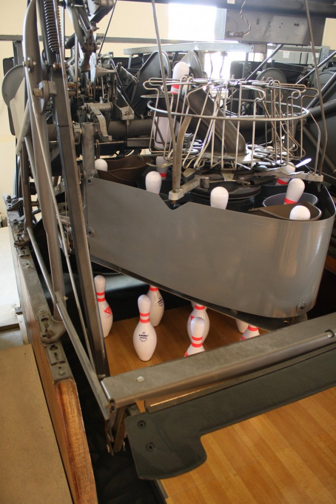 The pinsetters are fully mechanical – no electronics.