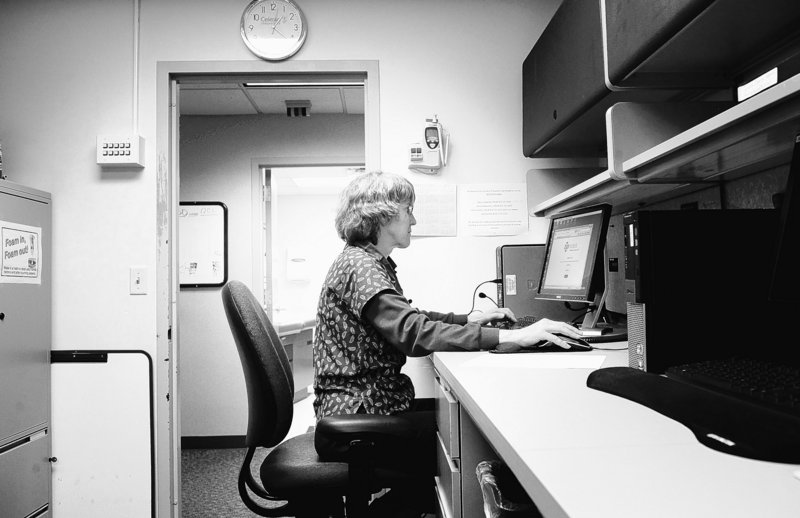 Jolene Nelson, a physician assistant, is part of a pilot program at Park Nicollet clinic for Zipnosis, which allows patients to answer questions on an online survey that is then sent to a medical professional who diagnoses the problem and if necessary e-mails prescriptions.