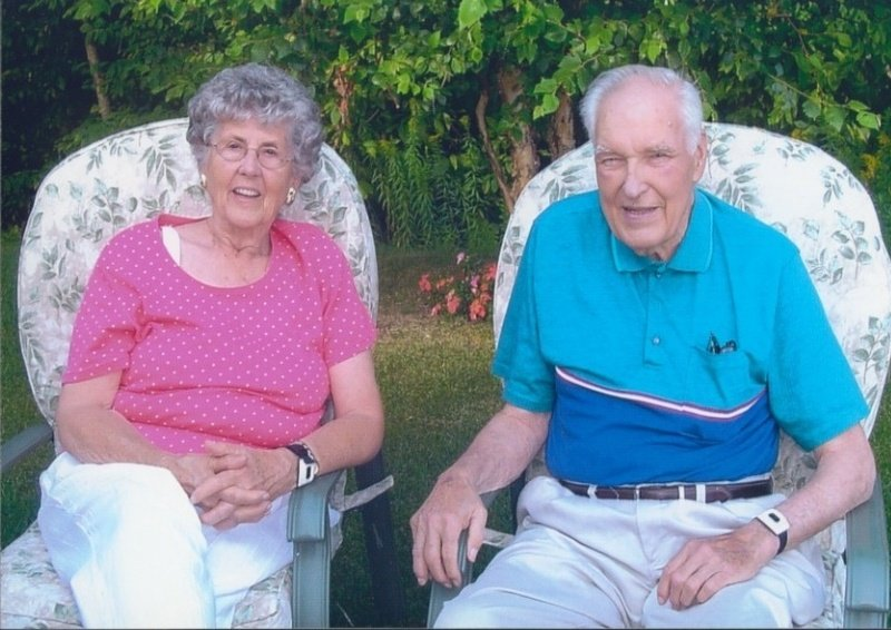 Earl Shea with his wife of 60 years, Ann. Mr. Shea died Wednesday at 86.