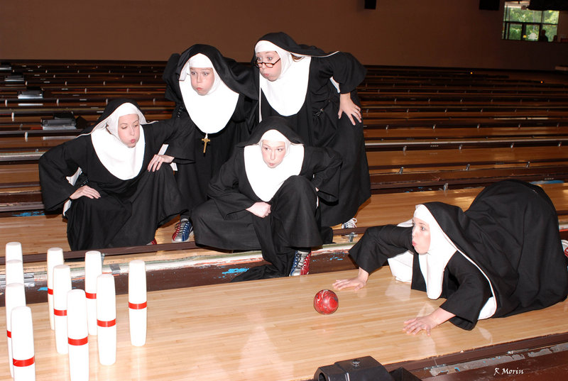 The Little Sisters of Hoboken take on Hollywood in Arundel Barn Playhouse's production of