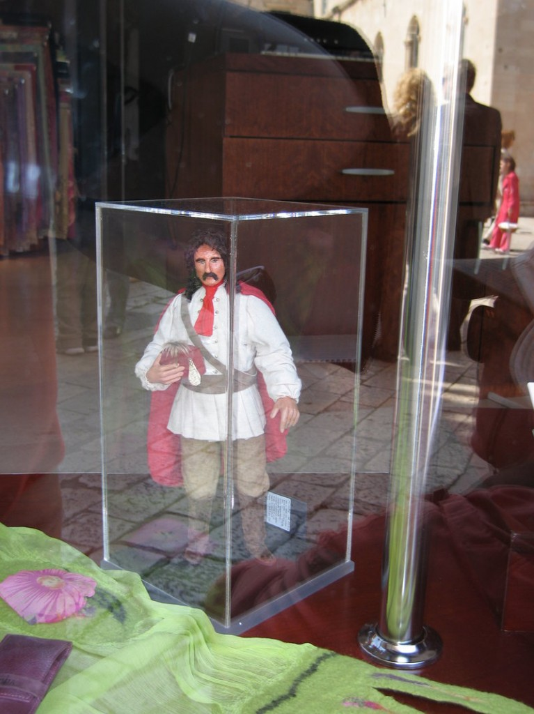 At the Croata boutique in Dubrovnik, a figure of a scarf-wearing, 17th-century Croatian soldier is in the window.