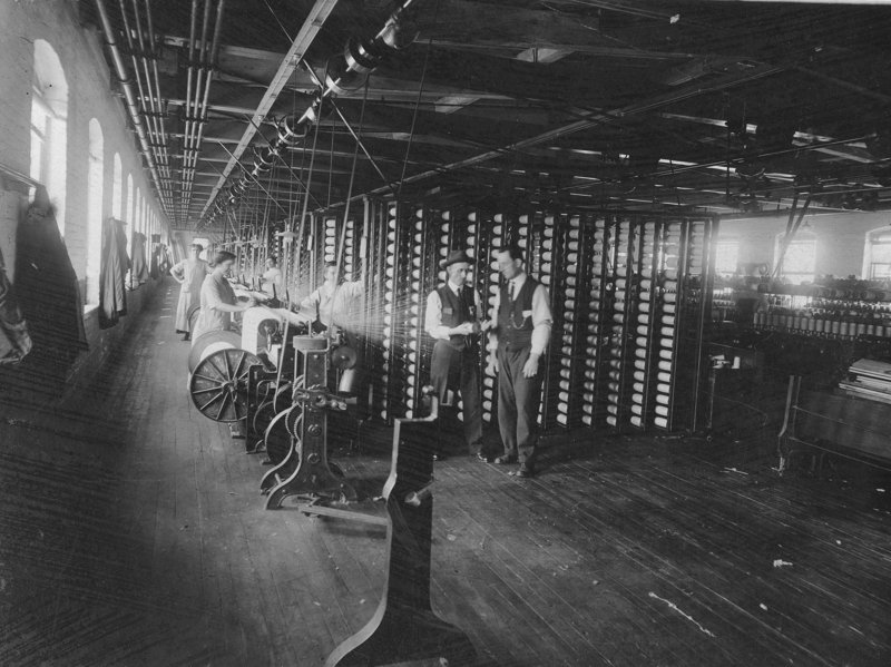 A 1900 photo of a textile mill in Biddeford