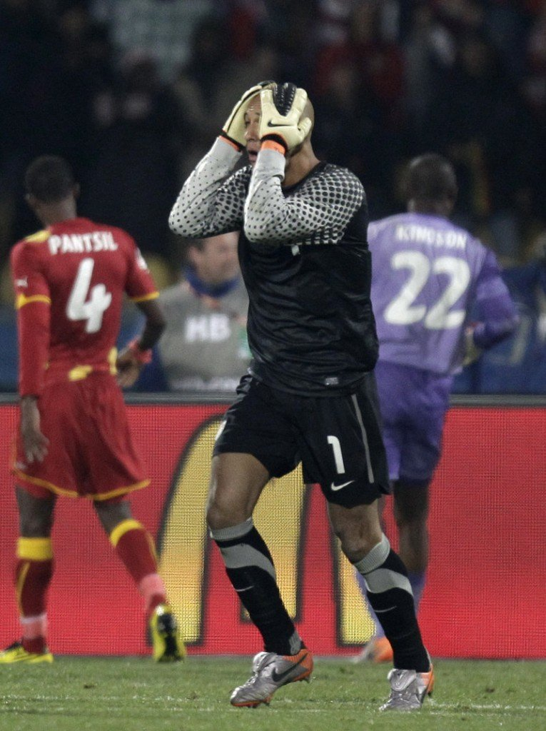 Tim Howard, the goalkeeper for the United States, couldn't prevent the defensive lapses that spelled the end for his team Saturday with a 2-1 loss to Ghana in the Round of 16 at the World Cup. Ghana also ousted the U.S. in 2006.