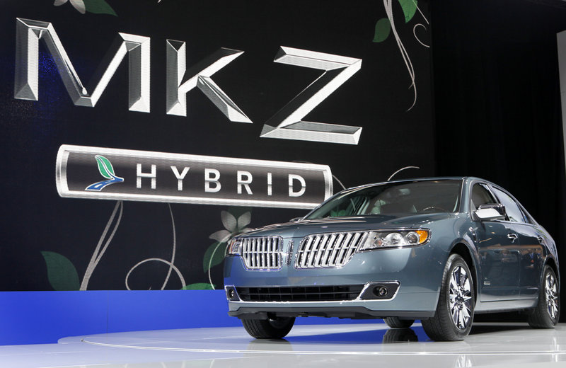 The 2011 Lincoln MKZ hybrid will go on sale this fall.