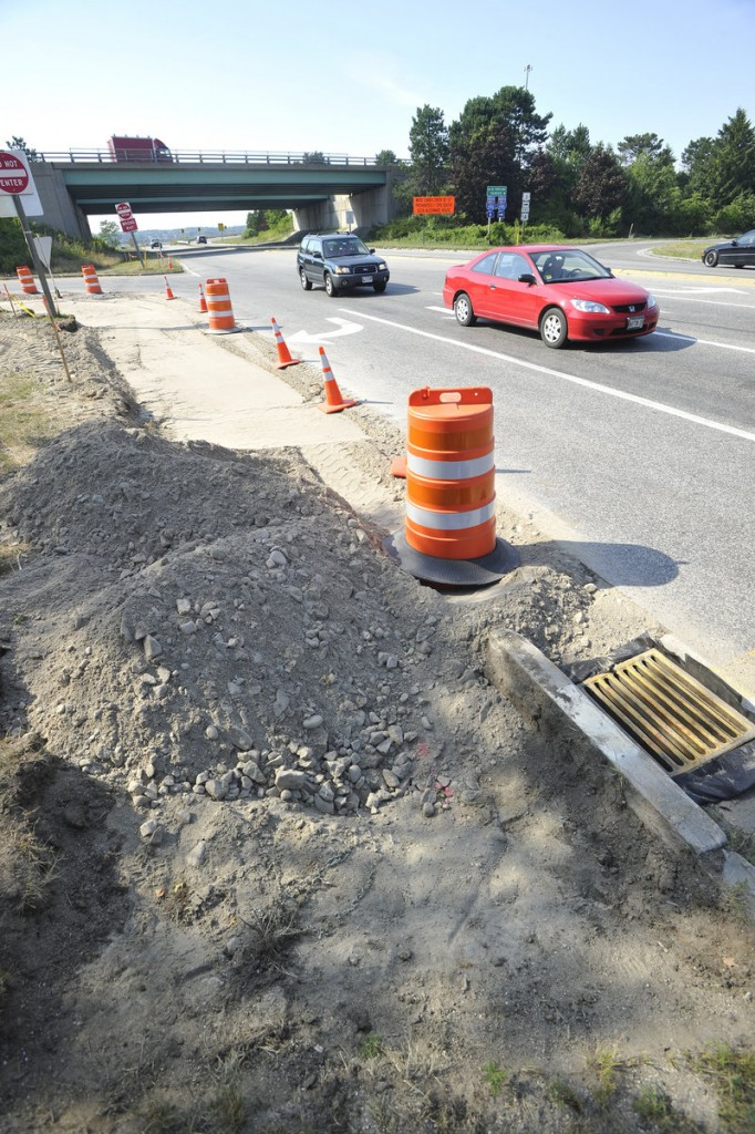 Widening the northbound and southbound off-ramps of I-295 Exit 7 at Franklin Arterial is under way Wednesday.