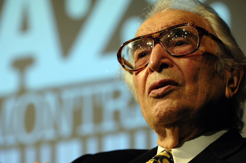 Octogenarian Dave Brubeck receives the Miles Davis Award at this year's Montreal Jazz Festival.
