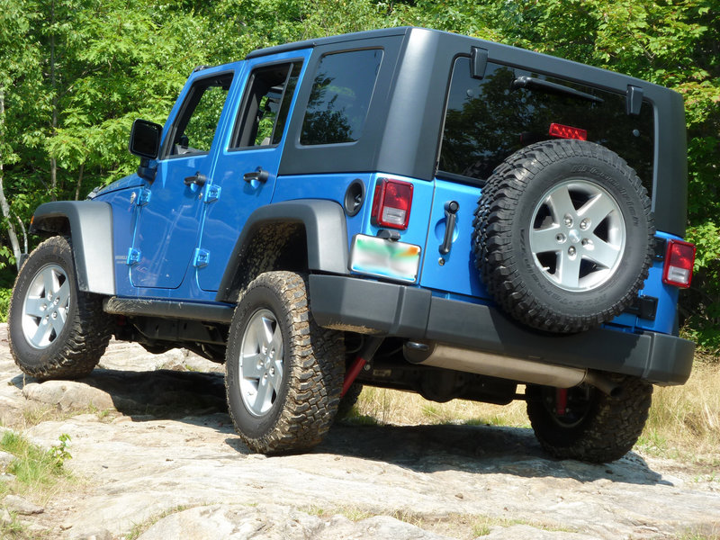 The longer wheel base of the four-door Jeep Wrangler Unlimited provides smoother on-road driving in addition to extra space.