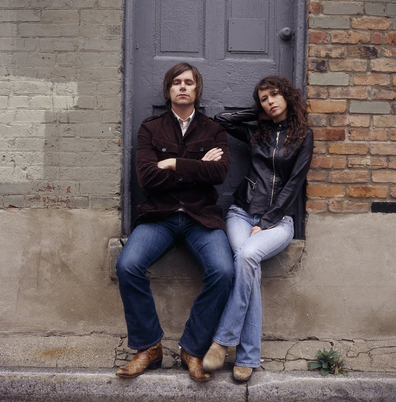 Sarah Lee Guthrie and Johnny Irion will perform in Kennebunk on Saturday.