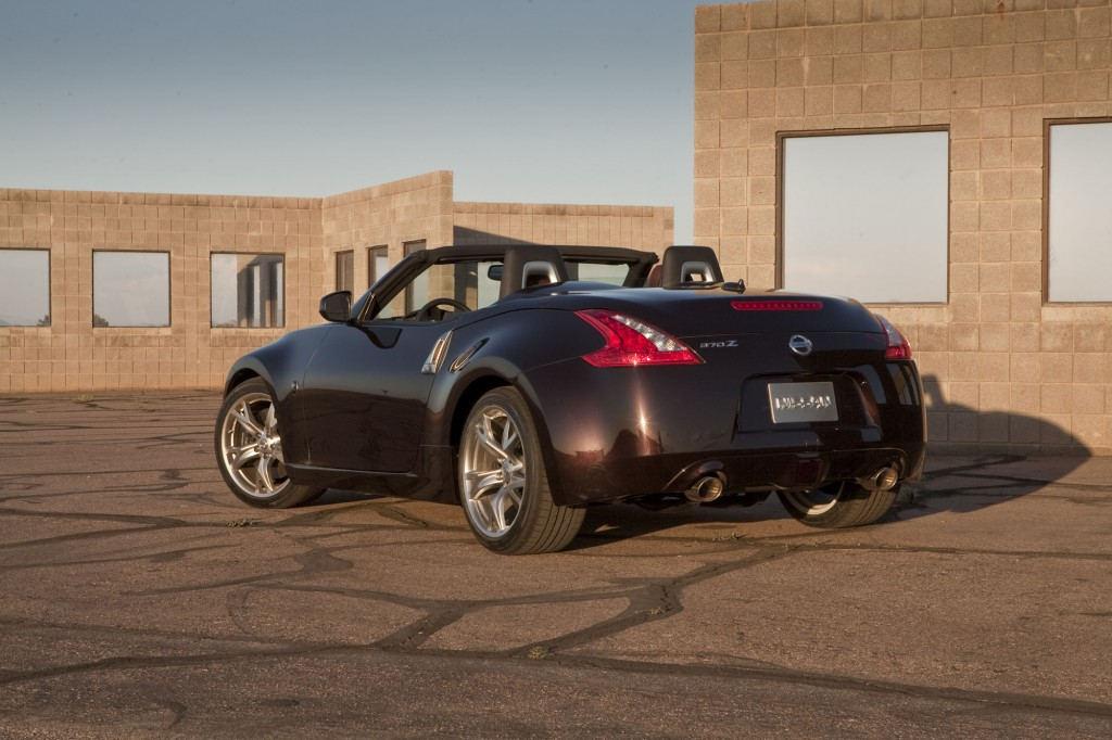 With top down or up, the 370Z Roadster can delight and excite the driver. Its 18-inch tires have ferocious grip, and its suspension sneers at corners. Nissan 370z Nismo Roadster