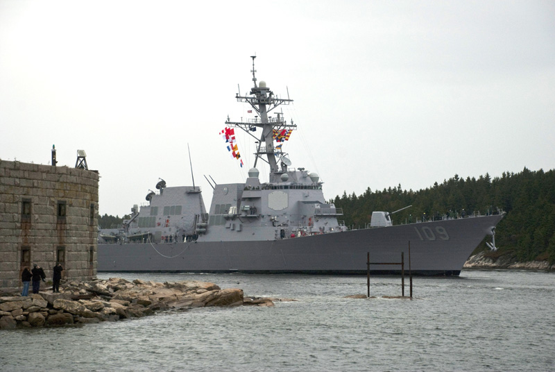 The Aegis destroyer Jason Dunham (DDG 109) passes Fort Popham on the Kennebec River on its way out to sea today.