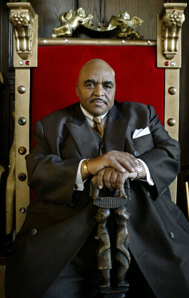 Solomon Burke poses in a red velvet throne in his Los Angeles home in 2005.