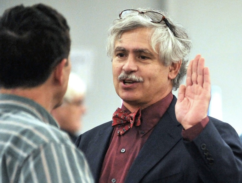 Environmentalists say Sen. Thomas Saviello's retirement from Verso Paper in Jay has allayed concerns about a possible conflict of interest between his job and his leadership of the Natural Resources Committee.