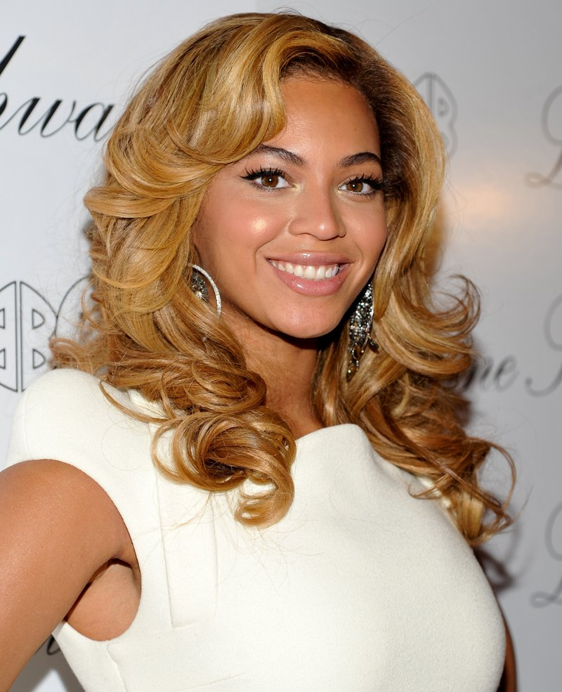 Beyonce Knowles may star in a musical version of