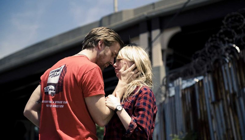 Ryan Gosling and Michelle Williams star as a couple engaged in the struggles of contemporary married life in