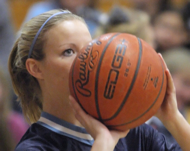 Stephanie Gallagher is averaging 14.4 points, 4.2 assists and 4.5 steals in just 25 minutes per game. She wants another Gold Ball before moving on to USM.
