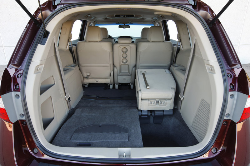Storage space in the Odyssey is ample, whether for suburban parents hauling their children's gear or older people hauling their friends.