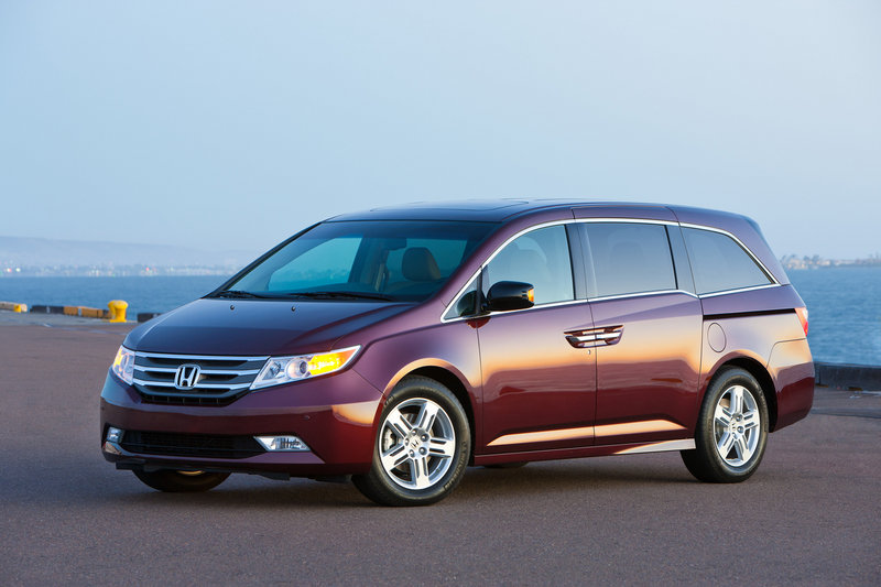 The 2011 Honda Odyssey's new styling is distinctive enough that some minivan shoppers might love it while others dislike it. But its sporty appearance doesn't compromise the assets for which people buy minivans: Interior space, convenience and versatility.
