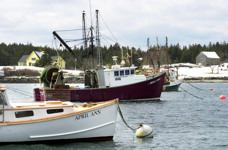Draggers are tied up in Port Clyde. Efforts to revive the state's ocean fishing fleet shouldn't be impeded, a former congressman says.