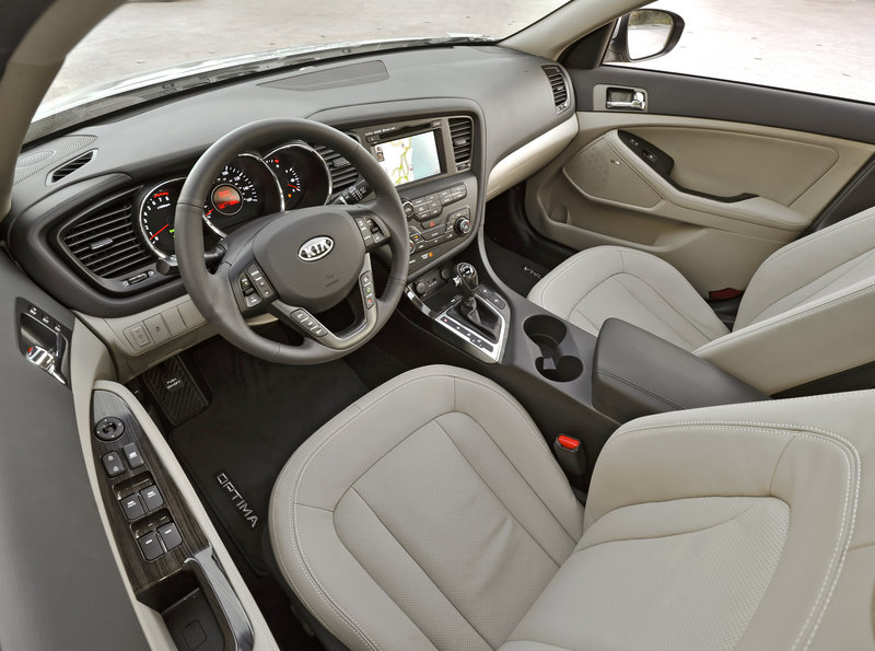 The third-generation of Kia's midsize Optima is elegant, sporty and distinctive inside and out.