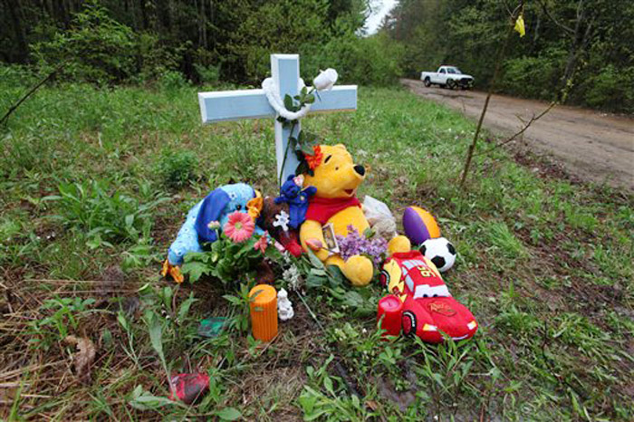 A memorial in South Berwick, Maine, near where the body of an unidentified boy was found on Saturday.