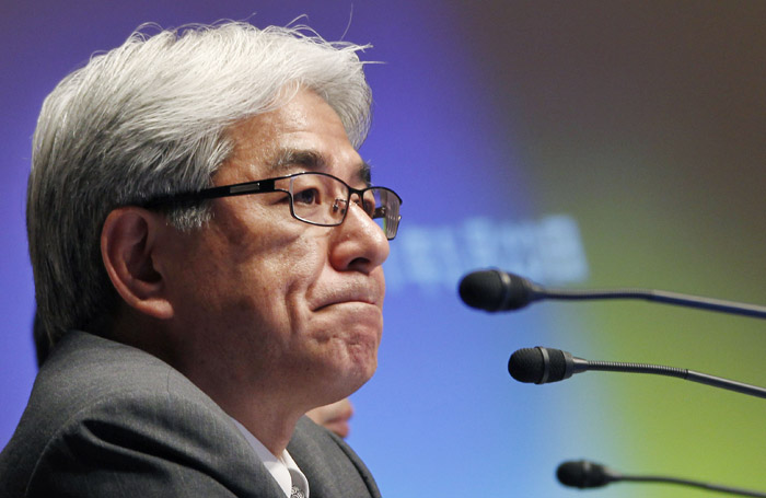 Sony Corp. Chief Financial Officer Masaru Kato speaks at a press conference today in Tokyo.