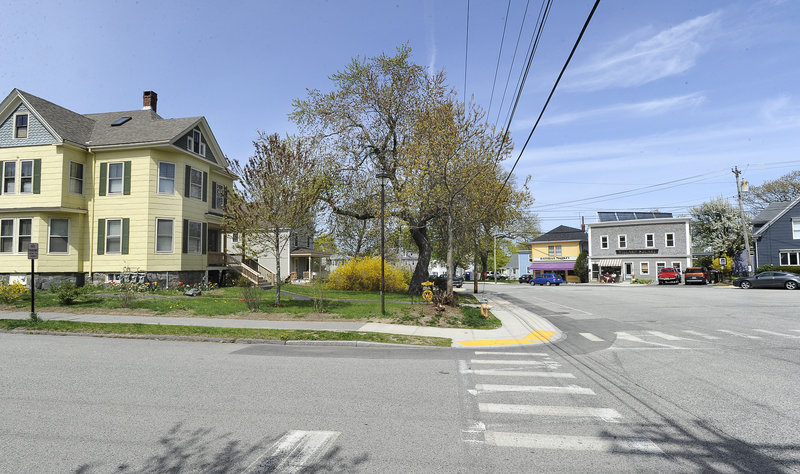 Glenn Perry and business partner Ian Hayward want to build a store selling produce, soups, sandwiches, meats and prepared foods at the site on the left, at Thompson and Pillsbury streets in South Portland.