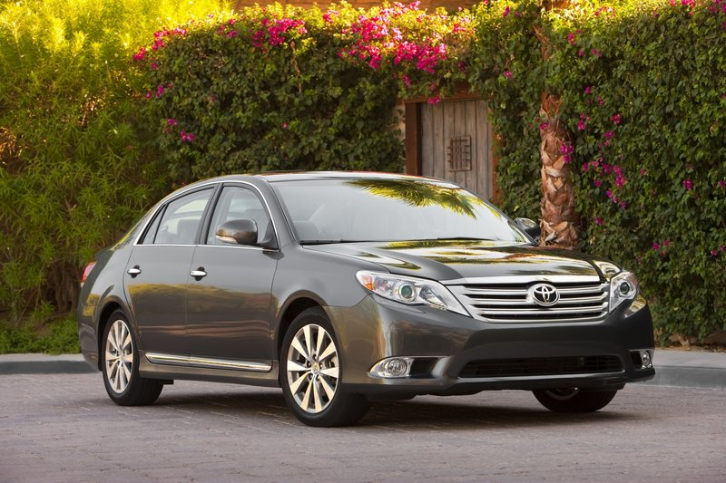 Although Toyota almost totally redesigned its full-size Avalon sedan for 2011, the changes are evolutionary rather than revolutionary. As a result, it will continue to appeal to its target audience, mature buyers who put a premium on roominess, comfort and refinement.